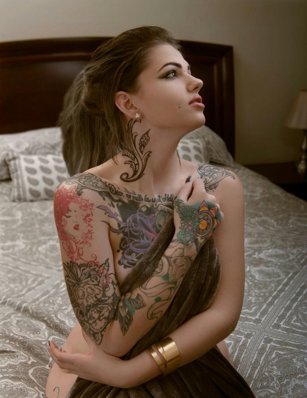 Голая Becky Holt